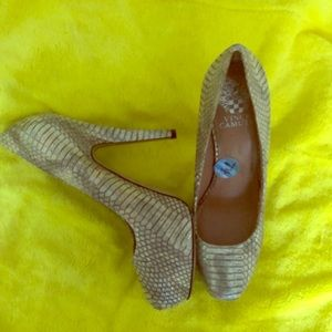 Vince Camuto Snakeskin Shoes 7.5